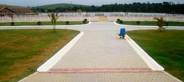 Pavimentação e Piso em Bloquete, Briquete para Fazenda, Haras e Sitios