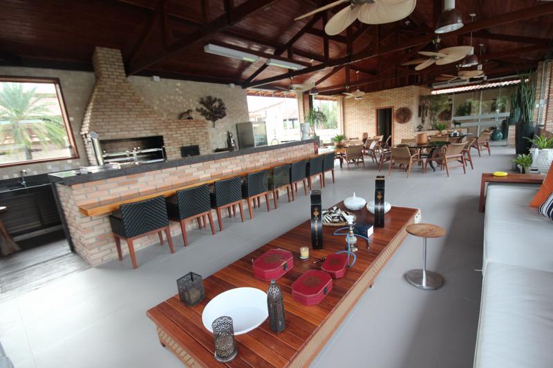 Área de Lazer com Piscina, Decks, Espaço Gourmet e Churrasqueira