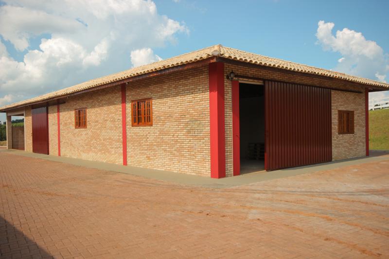 Garagem para Tratores e Caminhões