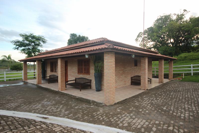 Casa para colonos, Caseiro, Casa Sede